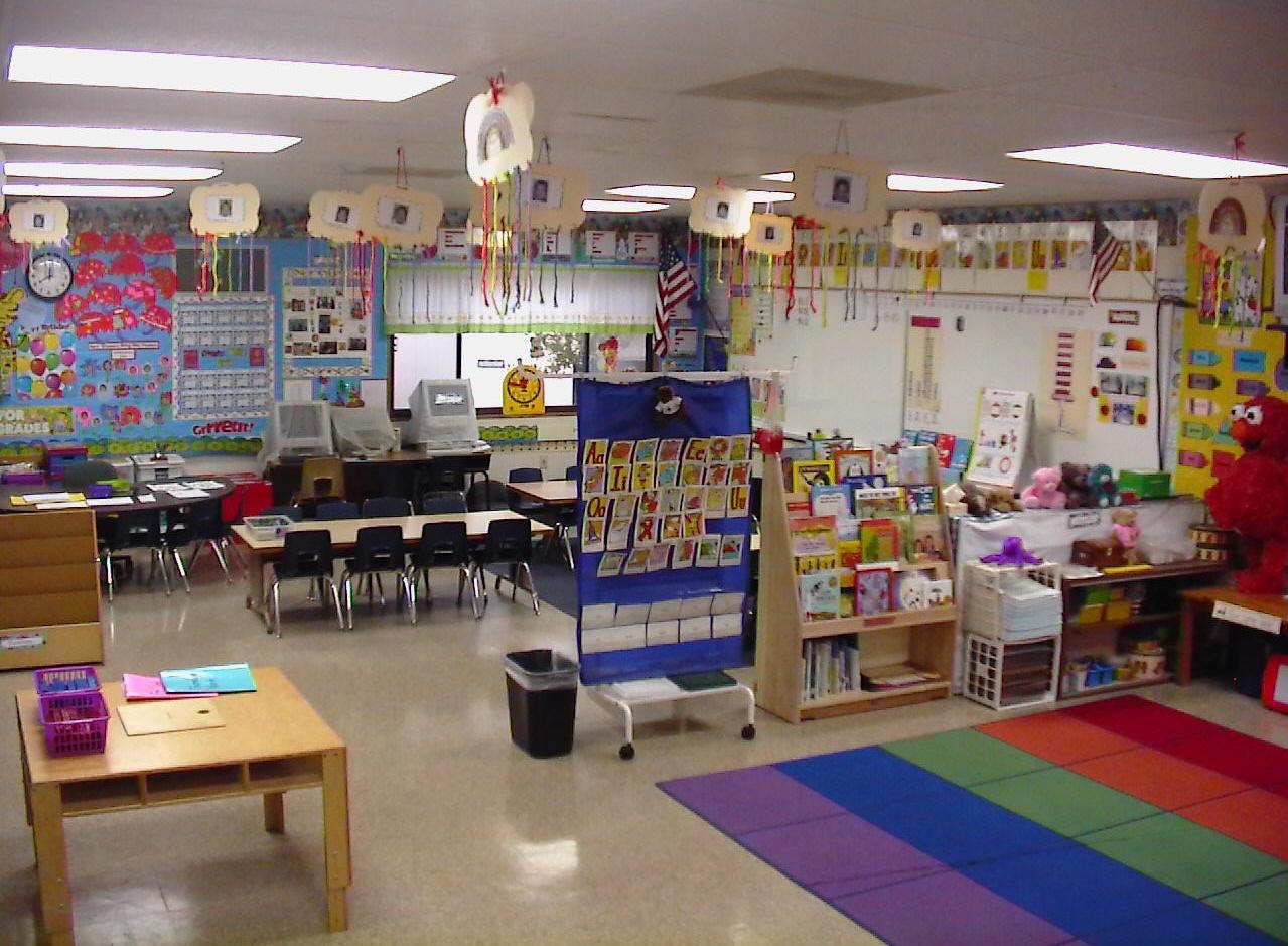 Linda Gants 200910 Kindergarten Classroom at Avalon California